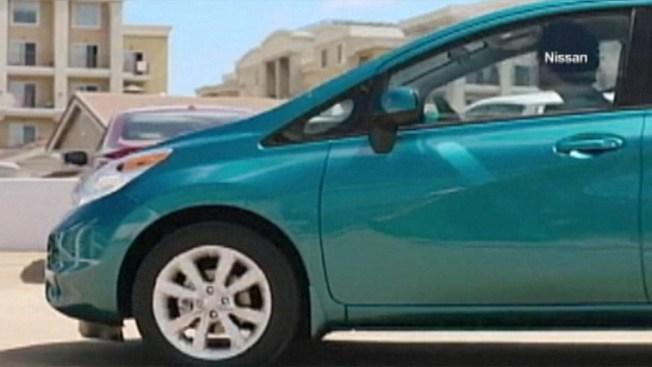 Nissan llama a revisión 300,000 vehículos