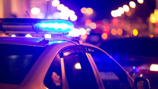 Presunta discusión acaba a puñaladas en Sacramento y deja 3 heridos grave