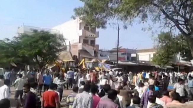 Dos explosiones en restaurante dejan 89 muertos