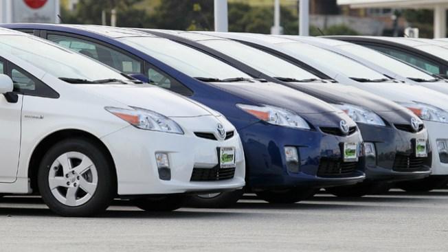 Toyota llama a revisión autos Prius