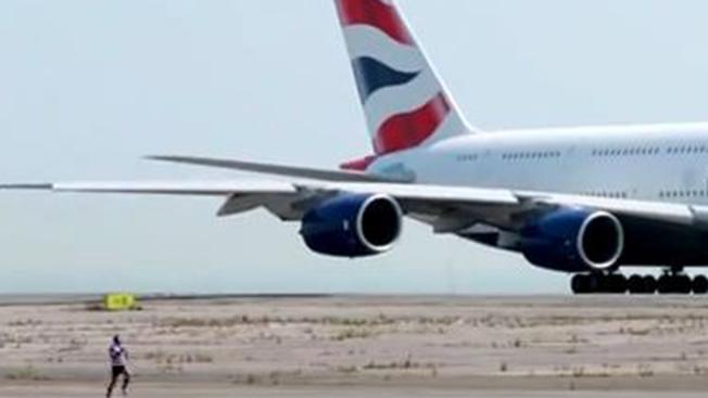 Avión vs. hombre, ¿quién ganó?