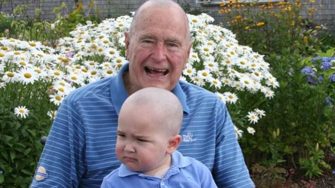¿Por qué se rapó Bush padre?
