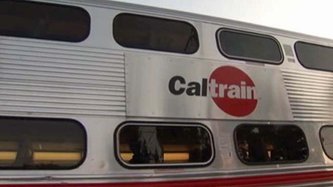 Tren impacta a mujer en Palo Alto