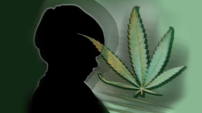 En primaria y ya fumando marihuana