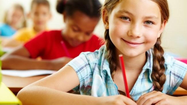 Más inglés, menos español en escuelas