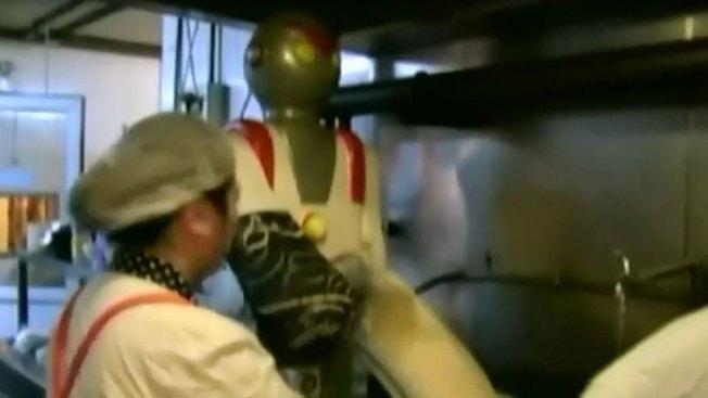El robot que corta fideos como loco