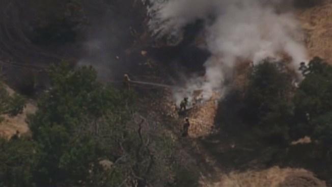 Bomberos controlan fuego en Kelley Park