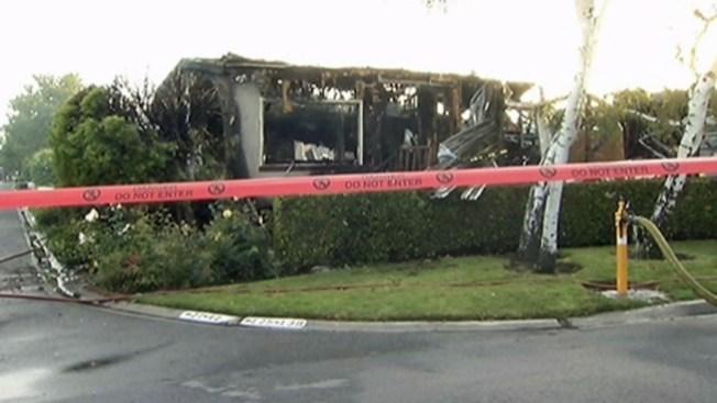 Hallan 2 cuerpos en fuego residencial