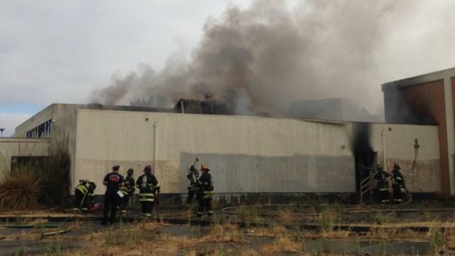 Fuego de dos alarmas en Vallejo