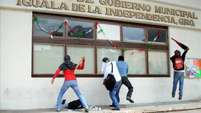 Iguala: saqueos y destrozos en tiendas