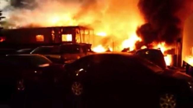 San José: se desata incendio en almacén