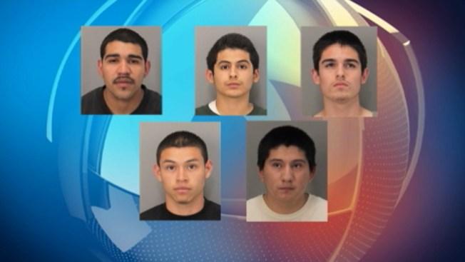 Cinco pandilleros acusados de asesinato