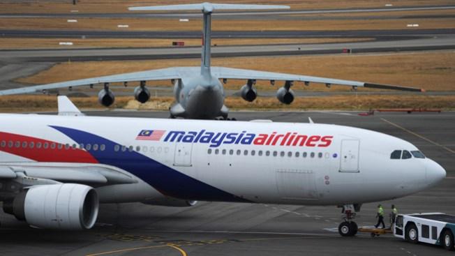 Avión: mandan a familiares a sus casas