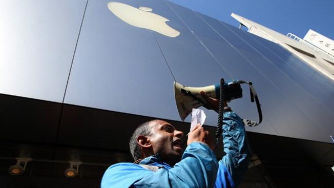 Marchan contra Twitter y Apple en SF