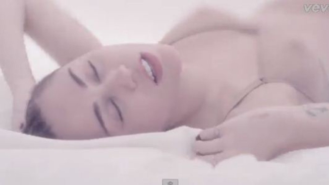 Miley Cyrus: ardiente en su nuevo video