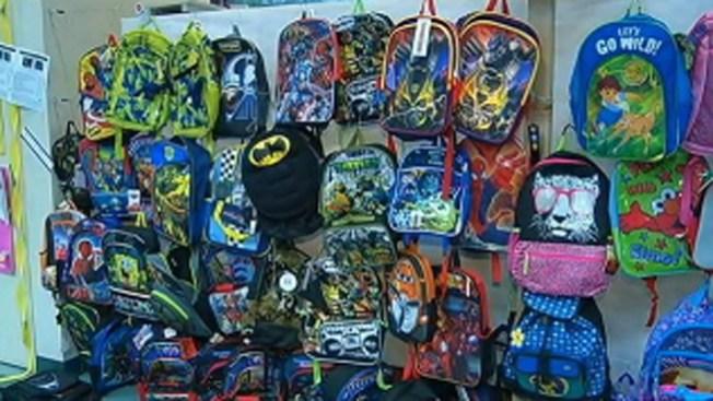 Campaña regala 2,800 mochilas a estudiantes