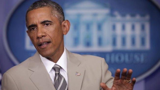 Traje de Obama causa horror y polémica