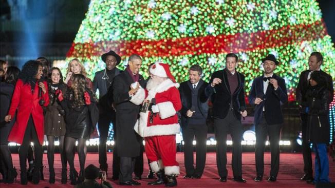 Obama enciende el árbol navideño