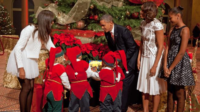 Obama inaugura la Navidad en familia