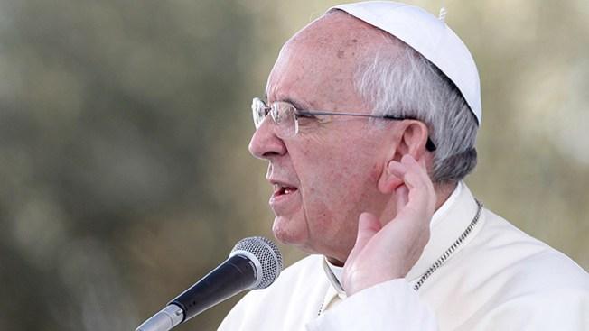 """Papa critica la """"lepra del papado"""""""