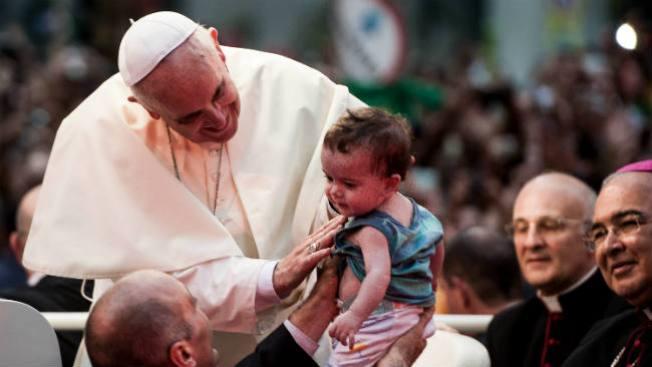 Papa rechaza legalización de la droga