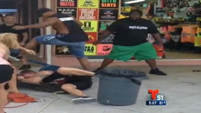 Video: Brutal golpiza en un bar