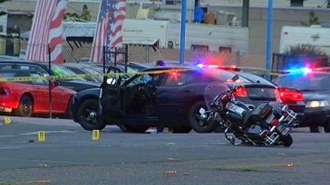 Muere hombre baleado por oficial
