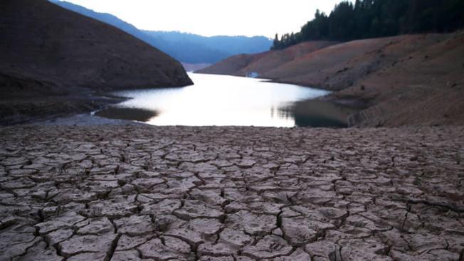 California: entran en vigor las restricciones al uso de agua