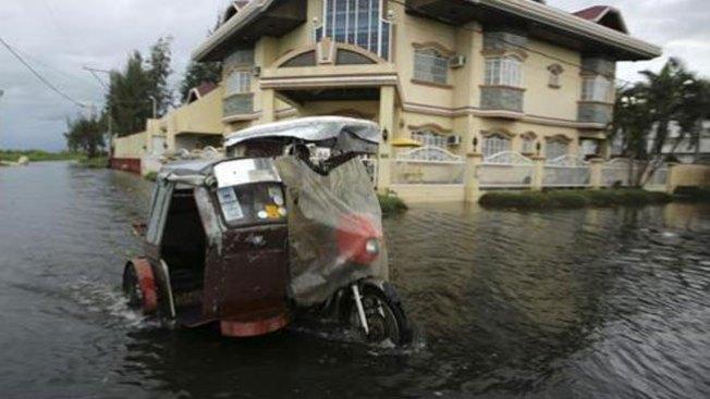 Al menos 1,200 muertos por Tifón Haiyan