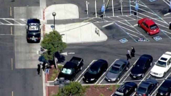 San Leandro: tiroteo en centro comercial