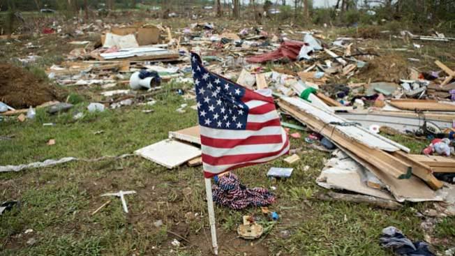Tornados dejan más de 30 de muertos
