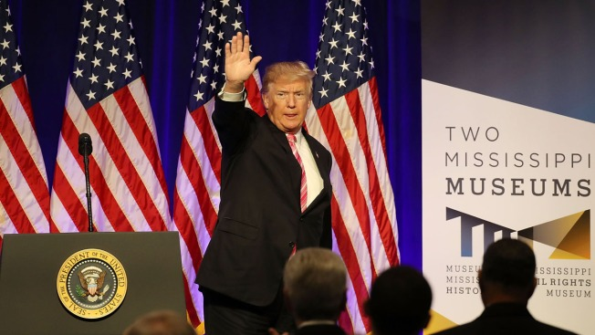 Polémica visita de Trump a museos de Derechos Civiles