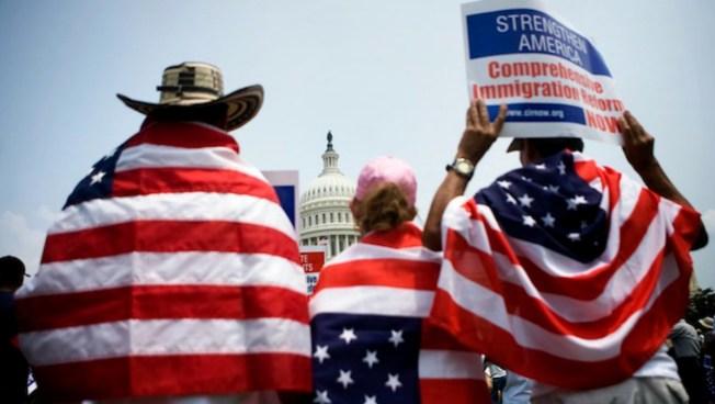 Los inmigrantes no cometen más crímenes, según reporte