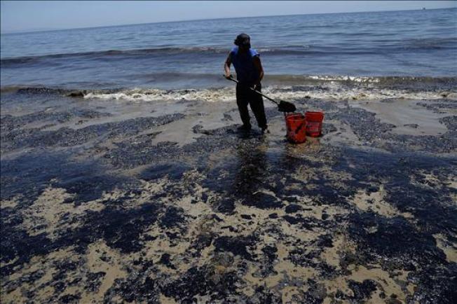 California: Podría tomar meses limpiar derrame
