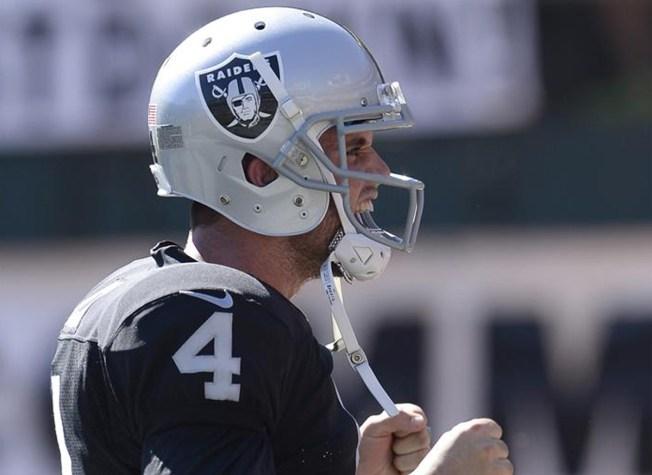 Raiders hacen peligrar la clasificación de los 49ers