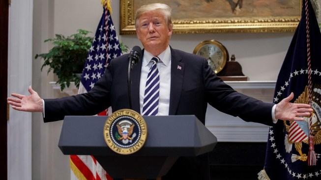 Trump niega haber insinuado disparos contra migrantes