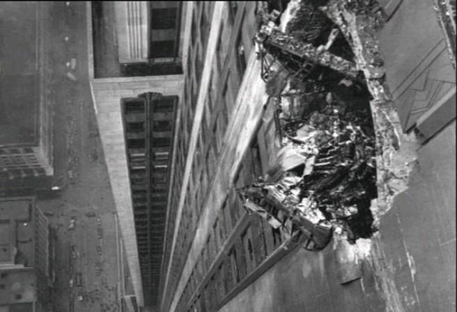 Estos hechos han...B 52 Crash Empire State Building