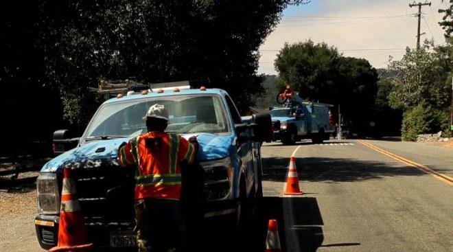 Más de 20 condados del norte de California amanecen sin luz